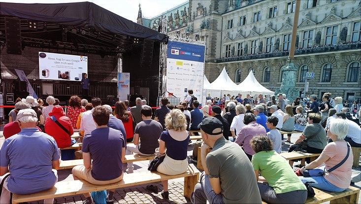 Sommer des Wissens, Bühne vor Rathaus