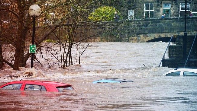 Autos unter Wasser