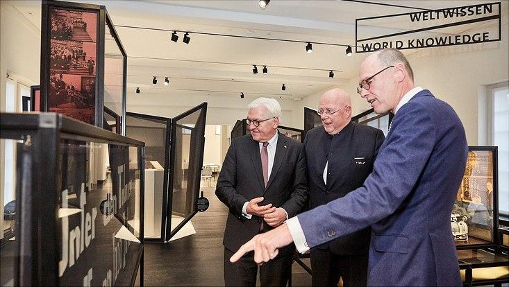 Frank-Walter Steinmeier, Prof. Dr. Dr. h.c. Dieter Lenzen und Prof. Dr. Peter-Andre Alt