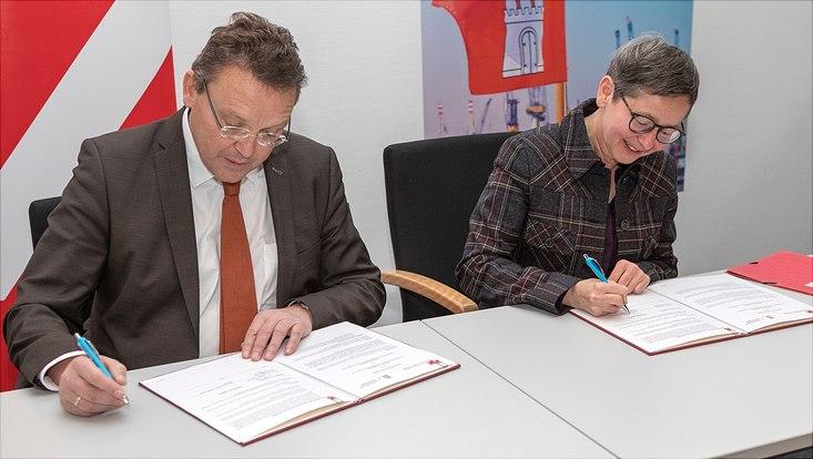 Mitglieder der Universitäten Groningen und Hamburg