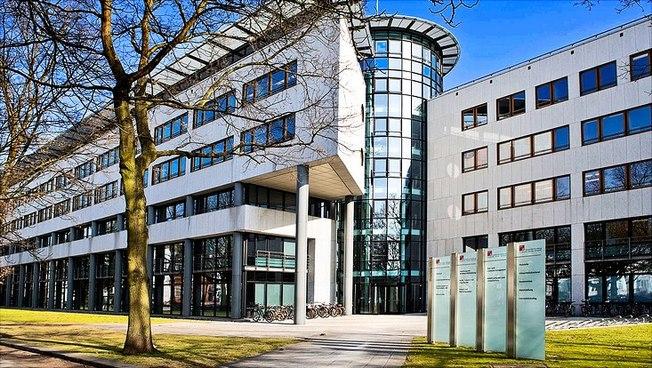 Das Verwaltungsgebäude der Universität Hamburg am Mittelweg.