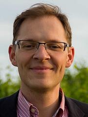 Dr. Nils Bernstein