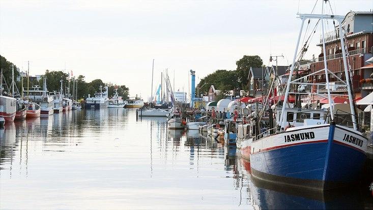 Der Hafen des Ostseebads Warnemünde