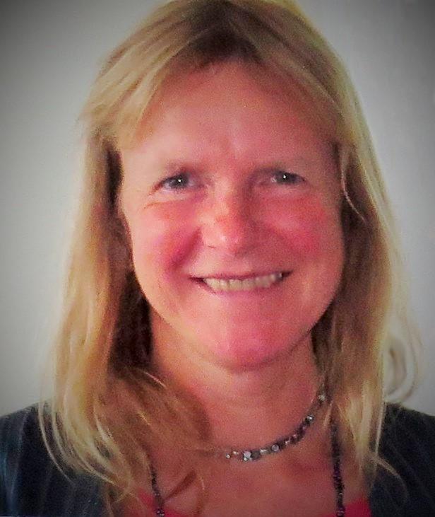 Dr. Angela  Peetz