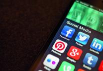 Handy-Bildschirm mit Apps