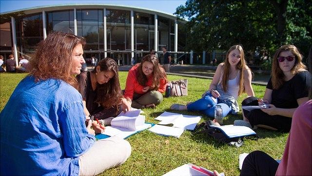 Flaggen (vor dem Europaparlament in Straßburg)