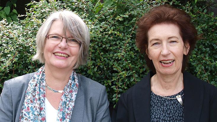 Prof. Dr. Eva Arnold und Prof. Dr. Gabriele Kaiser