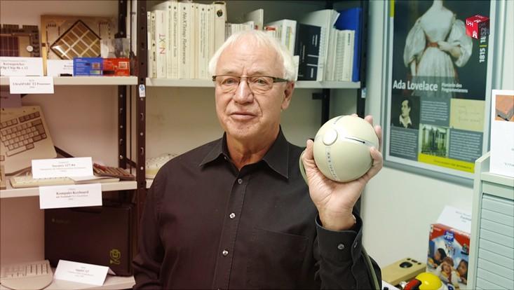 Prof. Dr. Oberquelle vom Computermuseum der Universität Hamburg.