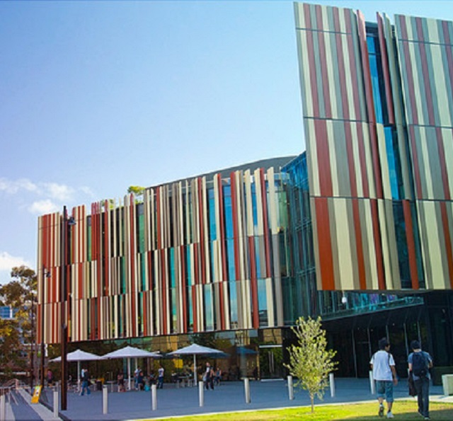macquarie-library-640x595