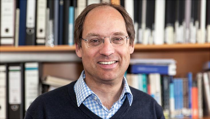 Prof. Dr. Chris Meier vom Fachbereich Chemie
