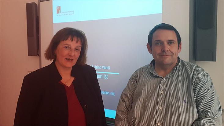 Maike Gattermann-Kasper und Heino Windt bei ihrem Workshop