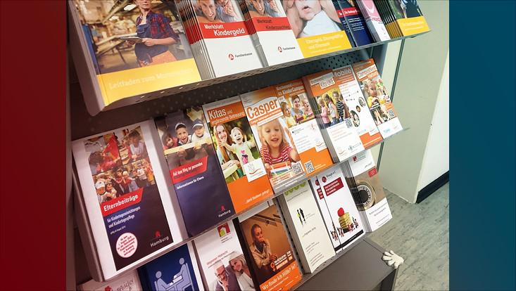 """Flyer zum Thema Familie im Beratungszentrums """"Soziales und Internationales"""" des Studierendenwerks"""