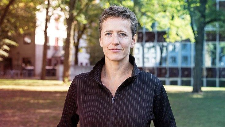 """Sozialwissenschaftlerin Prof. Dr. Christine Hentschel forscht unter anderem zur """"Neuen Rechten""""."""
