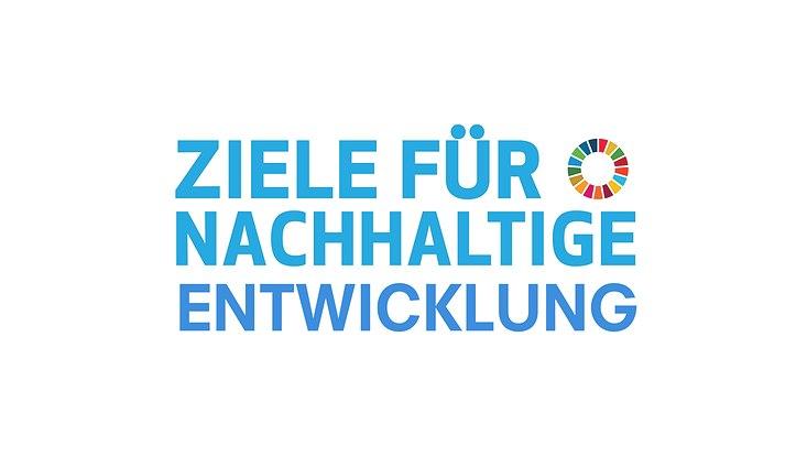 """Auf dem Bild steht """"Ziele für nachhaltige Entwicklung"""" mit dem Logo der UN der 17 SDGs daneben"""
