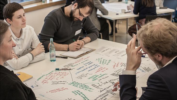 Foto Arbeitsrunde Praxis-Forschungs-Session an der Uni Vechta 2017