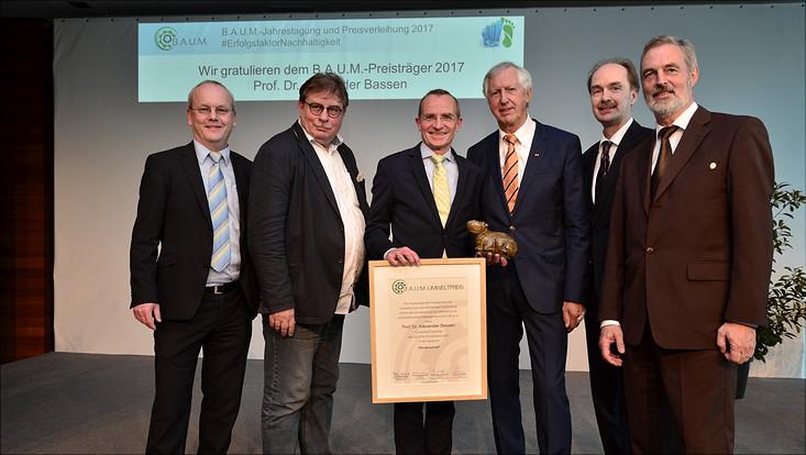 B.A.U.M. Umweltpreis 2017 an Prof. Bassen