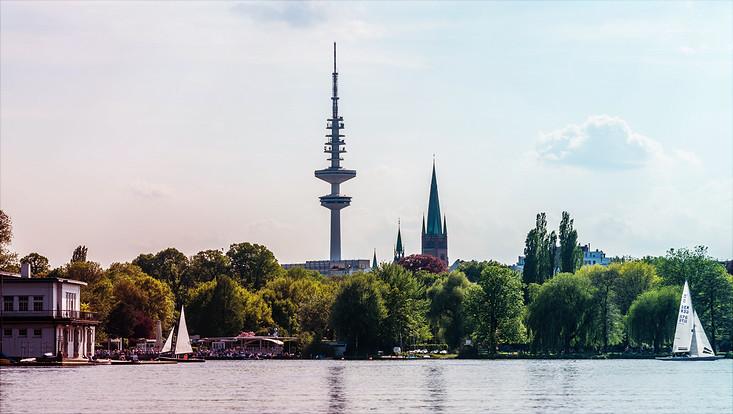 Blick von der Alster auf die City