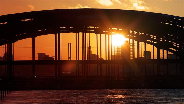 Hamburg Panorama Elbbrücke Sonnenuntergang