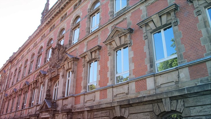 HRA Umzug in den Gorch-Fock-Wall 7
