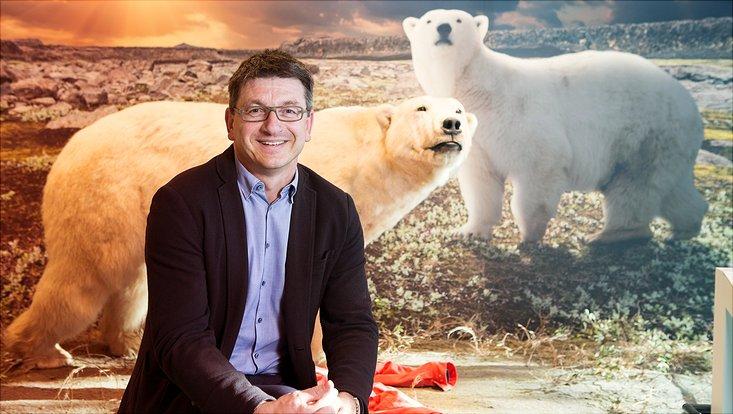 Prof. Dr. Glaubrecht und Eisbärin Smilla