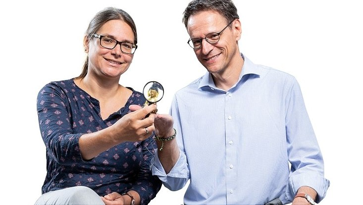 Medizinethikerin Dr. Katharina Woellert und der Buddhismus-Experte Prof. Michael Zimmermann