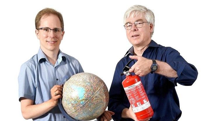 Umweltökonom Prof. Dr. Grischa Perino (l.) und Klimaforscher Prof. Dr. Detlef Stammer