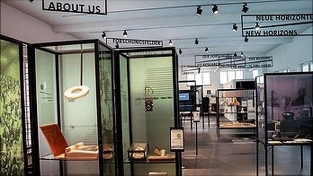 Ausstellungen und Publikationen