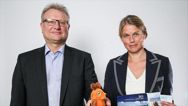 Prof. Dr. Simone Rödder (Wissenschaftssoziologie) (r.) und Prof. Dr. Knut Schwippert (Empirische Bildungsforschung)