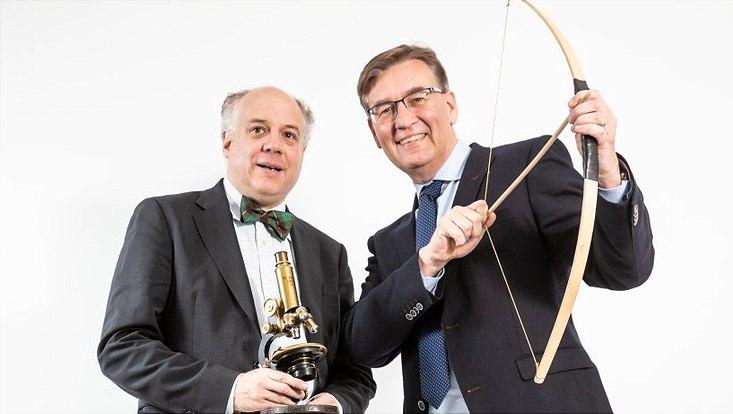 Medizinhistoriker Prof. Dr. Philipp Osten und Krebstherapeut Prof. Carsten Bokemeyer vom Uniklinikum Eppendorf (UKE)