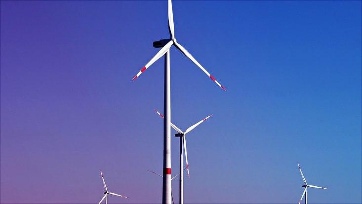 Windräder auf eine Feld