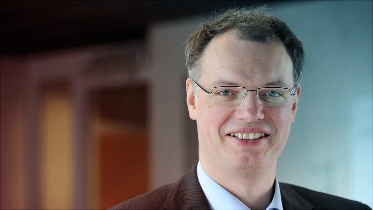 Ein Profilfoto von Hermann Held.