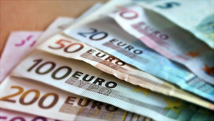 Die Eurogeldscheine sind abgebildet