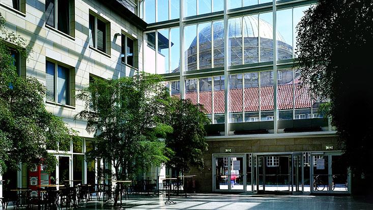 ESA-Gebäude UHH Innenansicht