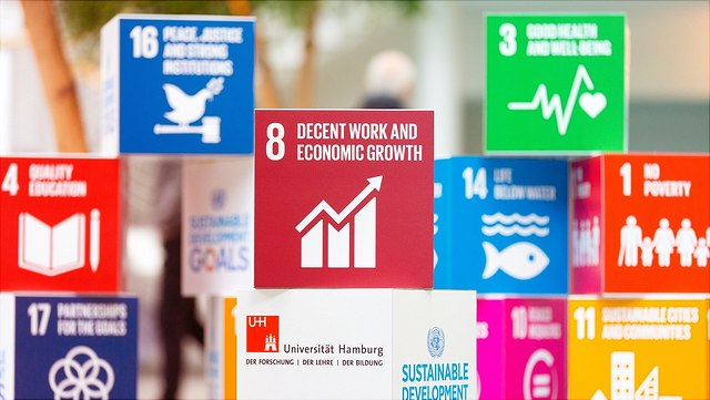 Abbidlung vom SDG 8 Decent work and ecnomic growth