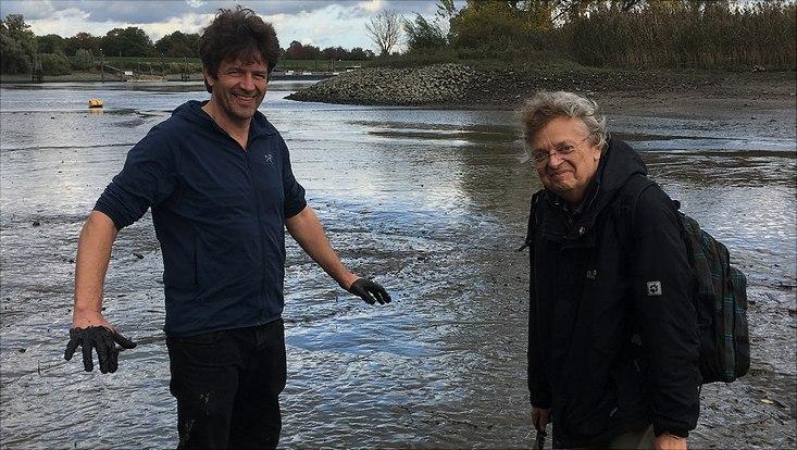 Herr Kutzbach und Herr Daeumling im Flusswatt
