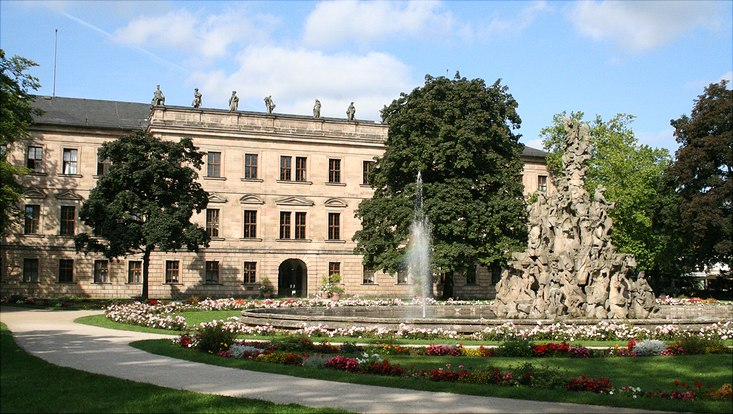 Erlanger Schloss (Blick aus dem Schlossgarten)