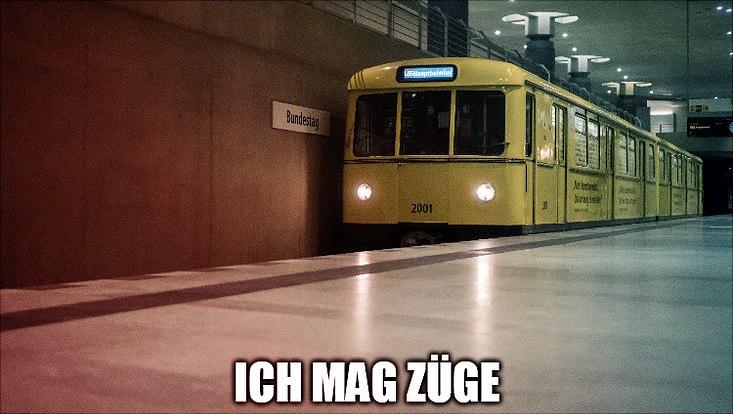 Zug in Bahnhof
