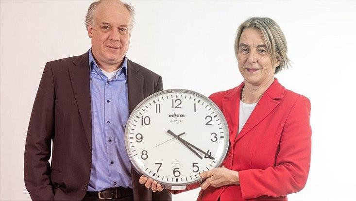 Prof. Philipp Osten und Prof. Dr. Ingrid Schneider von der Universität Hamburg
