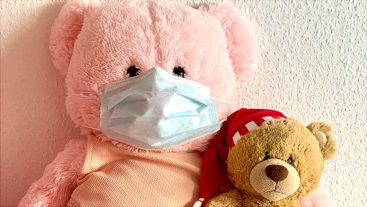 Teddybär mit Mundschutz