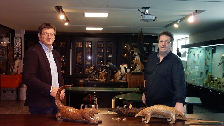 Matthias Glaubrecht (l.) und Daniel Bein (r.) im Gespräch über Schuppentiere, Zoonosen und den Wildtierhandel.